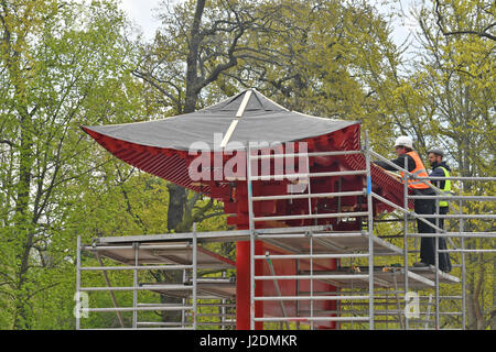 Berlin, Germany. 28th Apr, 2017. Scaffolding around a pagoda-style building in a panda enclosure currently under - Stock Photo