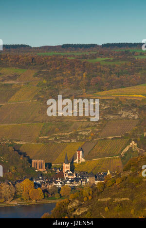 Germany, Rheinland-Pfalz, Bacharach, elevated view with Burg Stahleck Castle, autumn - Stock Photo