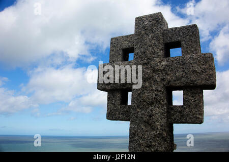 United Kingdom, Wales, Colwyn. Celtic cross at St. Tudno churchyard on the Great Orme, Wales. - Stock Photo