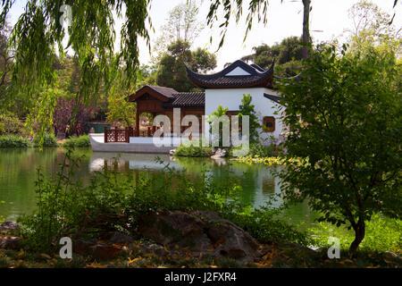 USA, California, San Marino. The Huntington Library Chinese Gardens. - Stock Photo