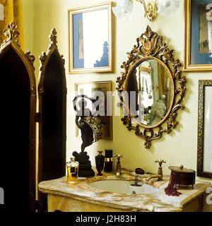 Marble washbasin in victorian style bathroom. - Stock Photo