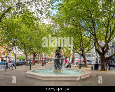 Sloane Square with The Venus Fountain, London, UK. - Stock Photo