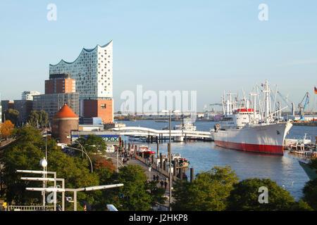 Johannisbollwerck with Elbphilharmonie, Hamburg, Germany, Europe   I  Hamburg : Elbphilharmonie mit Elbe, Hafencity - Stock Photo