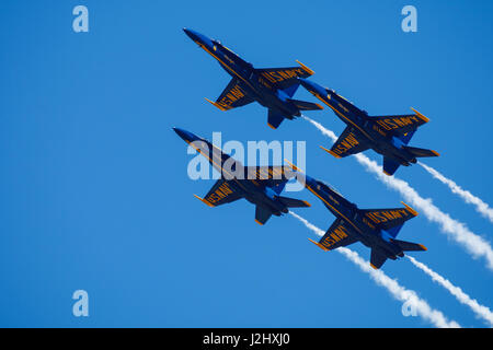 Blue Angels diamond maneuvers at the Oregon International Airshow. - Stock Photo