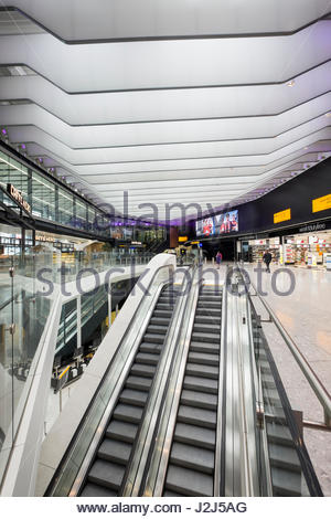 Terminal 2b departures on the first day of operation of the new Queens's Terminal, Heathrow Airport, Hillingdon, - Stock Photo