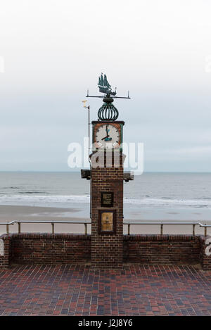 view from the Cafe Pudding on the promenade and the beach at low tide, Wangerooge, winter, Lower Saxony, Germany - Stock Photo