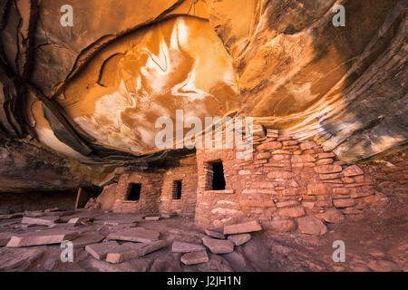 Fallen Roof Ruin Indian Ruins In North Fork Of Mule