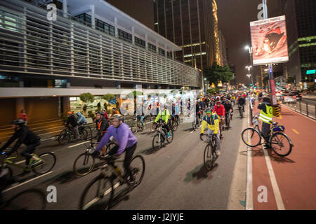 Sao Paulo, Brazil. 28th Apr, 2017. Pictured cyclists do protest against changes in bike lanes. on Avenida Paulista, - Stock Photo