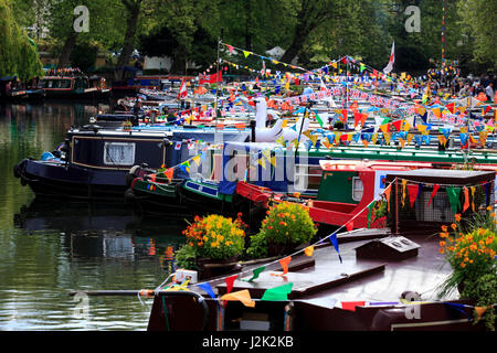 London, UK. 29 April 2017. The three day Canalway Cavalcade festival gets under way in Little Venice, London. The - Stock Photo
