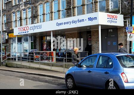 Newquay, Cornwall, UK - April 1 2017: Exterior of the Tesco Express convenience store - Stock Photo
