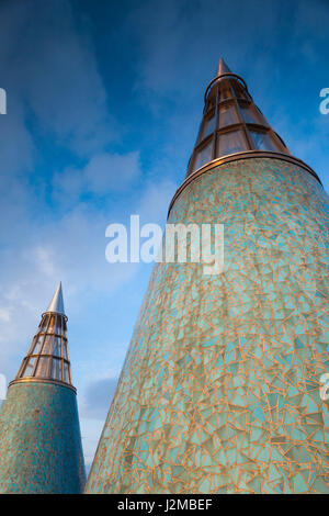 Germany, Nordrhein-Westfalen, Bonn, Museumsmeile, Bundeskunsthalle, museum of technology and art, rooftop towers - Stock Photo