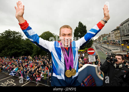 Photographer-Ian Georgeson-07921 567360-Olympic Parade in Edinburgh to celebrate the success of the Local athlete's - Stock Photo