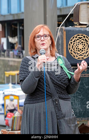 Bristol, UK. 29th April, 2017. Councillor Paula O'Rourke of the Green Party speaks at a demonstration against the - Stock Photo