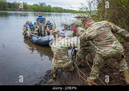 U.S. Army National Guard Soldiers and noncommissioned officers from the six New England states, New Jersey, and - Stock Photo