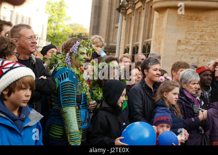 Oxford, UK. 1st May, 2017. Crowds celebrate May morning in Oxford, dressing up, decorating their hats with flowers - Stock Photo