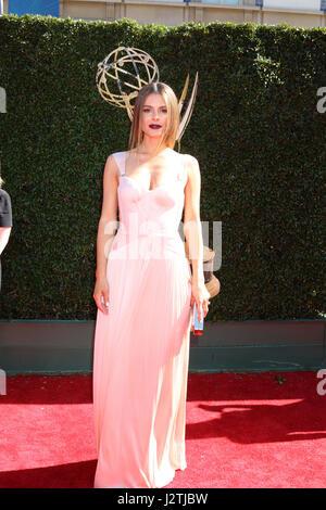Pasadena, California, USA. 30th Apr, 2017. Maria Menounos at the 44th Daytime Emmy Awards - Arrivals at the Pasadena - Stock Photo