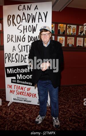 New York, NY, USA. 1st May, 2017. Michael Moore at the press conference for Michael Moore Press Conference, Sardi's, - Stock Photo