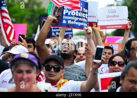 Washington, District of Columbia, USA. 1st May, 2017. Hundreds of immigrant workers and advocates march on Monday - Stock Photo