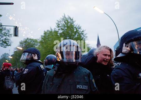 Berlin, Germany. 01st May, 2017. Simon Becker/Le Pictorium - May Day demonstration in Berlin - 01/05/2017 - Germany/Berlin/Berlin - Stock Photo