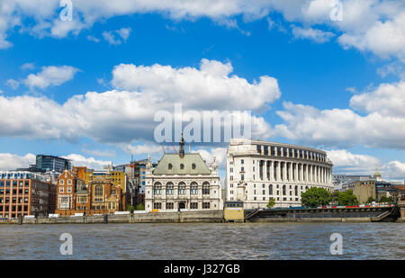 Iconic buildings Carmelite House, 60 Victoria Embankment and Unilever House, City of London EC4, by Blackfriars - Stock Photo