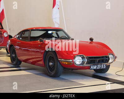 1968 Toyota 2000GT photo7 - Stock Photo