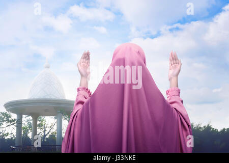 muslim single women in morning view Welcome to the sydney morning herald skip  many muslim women i spoke with did not feel at all subjugated by the  death by a single cut:.