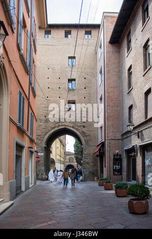 'Torresotto di Porta Nuova' old city gate in Bologna - Stock Photo