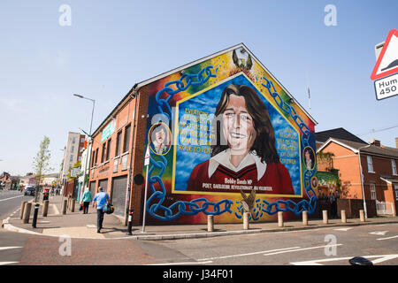 Irish republican and hunger strike wall murals on for Bobby sands mural falls road