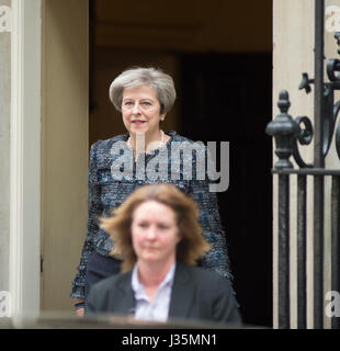 Downing Street, London, UK. 3rd May, 2017. Prime Minister Theresa May leaves 10 Downing Street to meet the Queen - Stock Photo