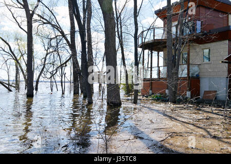 Ottawa, Canada. 3rd May, 2017. Homes near Ottawa Canada are threatened by rising river levels from the Ottawa River - Stock Photo