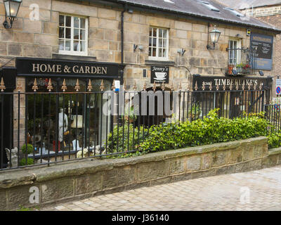 Shops in Montpellier Mews in the Montpellier,district of  Harrogate, Yorkshire.  Buildings are made of Yorkshire - Stock Photo