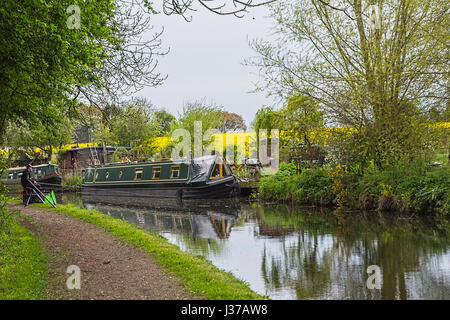 Staffordshire to Worcestershire canal. - Stock Photo