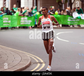 Tesfaye Abera competing for Ethiiopia, in the 2017 London Marathon. He finished 17th in a time of  02:16:09 - Stock Photo