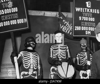 Conscientious opponents of the Bundeswehr, 1955 - Stock Photo