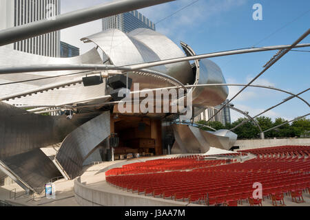 Chicago, Harris Theater by Frank Gehry  new Millenium Park USA - Stock Photo