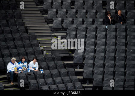 Paris, France. 05th May, 2017. Finnish fans watch the match Finland vs Belarus during the Ice Hockey World Championships in Paris, France, on May 5, 2017. Credit: Michal Kamaryt/CTK Photo/Alamy Live News Stock Photo