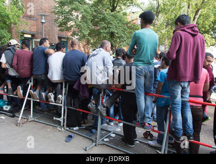 Asylum seeking refugees in Berlin, 2015 - Stock Photo