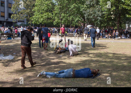 Asylum seeking refugees in Berlin, 2015 - Stock Photo