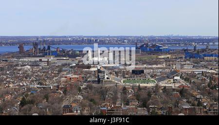 A View of the Hamilton harbour from the Niagara escarpment - Stock Photo