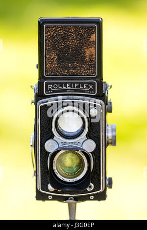 England, Sandwich. Salute to the 40's re-enactment event. Rolleiflex world war two camera on tripod. - Stock Photo