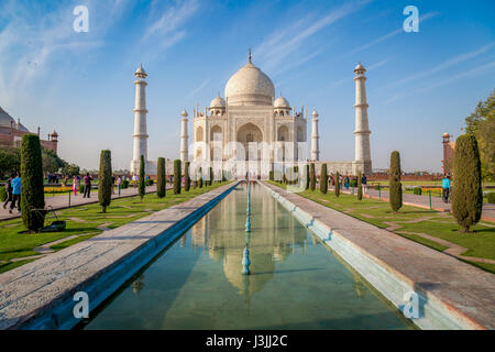 Taj Mahal white marble mausoleum built by emperor Shahjahan bears the heritage of Indian Mughal architecture. A - Stock Photo