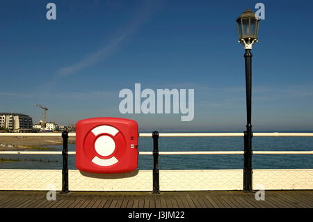 AJAXNETPHOTO. WORTHING, ENGLAND. - AT THE SEASIDE - VIEW FROM THE PIER LOOKING EAST. PHOTO:JONATHAN EASTLAND/AJAX - Stock Photo