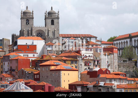 Cathedral Se´ do Porto, Porto, Distrikt Porto, Portugal, Europe   I Altstadt mit Kathedrale Se´ do Porto, Porto, - Stock Photo