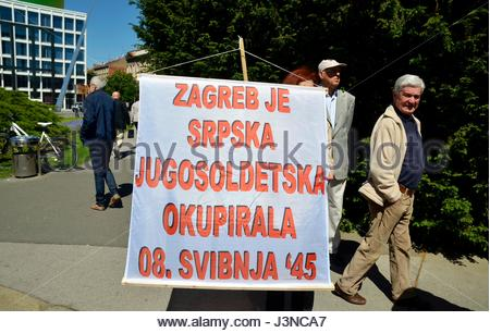 Zagreb, Croatia. 6th May, 2017. Civil association 'Circle for the Square' organized a protest outside the Croatian - Stock Photo