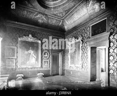 Kensington Palace Queen Carolines Drawing Room - Stock Photo