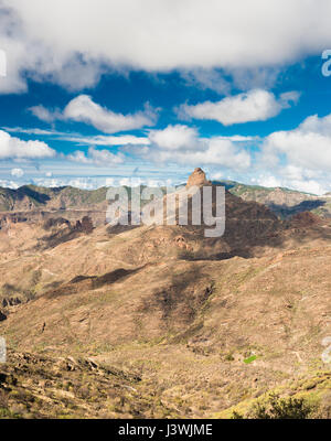 View westwards down the Barranco de Tejeda, from Timagada, Gran Canaria, towards the iconic outcrop of Roque Bentayga - Stock Photo