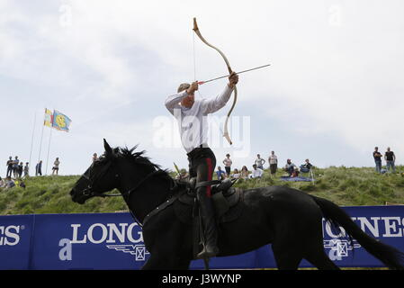 Rostov Region, Russia. 7th May, 2017. A participant in an archery contest at the Cossack national games, Shermitsii, - Stock Photo