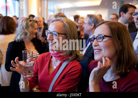 Berlin, Germany. 7th May, 2017. Simon Becker / Le Pictorium -  Election event at the French Embassy in Berlin - - Stock Photo