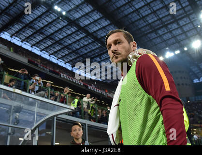 Milan, Italy. 7th May, 2017. Francesco Totti of Roma looks on during the Italian Serie A soccer match between AC - Stock Photo