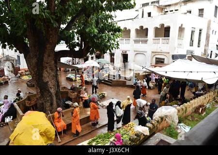 (170508) -- LAMU, May 8, 2017(Xinhua) -- Photo taken on July 10, 2015 shows an open market in Lamu town, Kenya. - Stock Photo